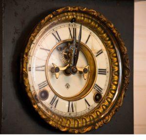 PP clock TP V 300x287 - 出会いの確率を「5倍」にする方法